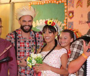 """Os ex-""""BBB""""s Gleici e e Wagner casaram em festa junina!"""