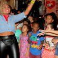 """Além dos ex-""""BBB""""s, a cantora Gaby Amarantos também participou da festa junina beneficente"""