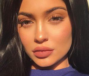 A era da beleza natural chegou pra Kylie Jenner!