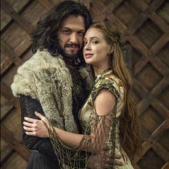 """Final """"Deus Salve o Rei"""": Amália e Afonso se casam! Veja a primeira foto da cerimônia"""