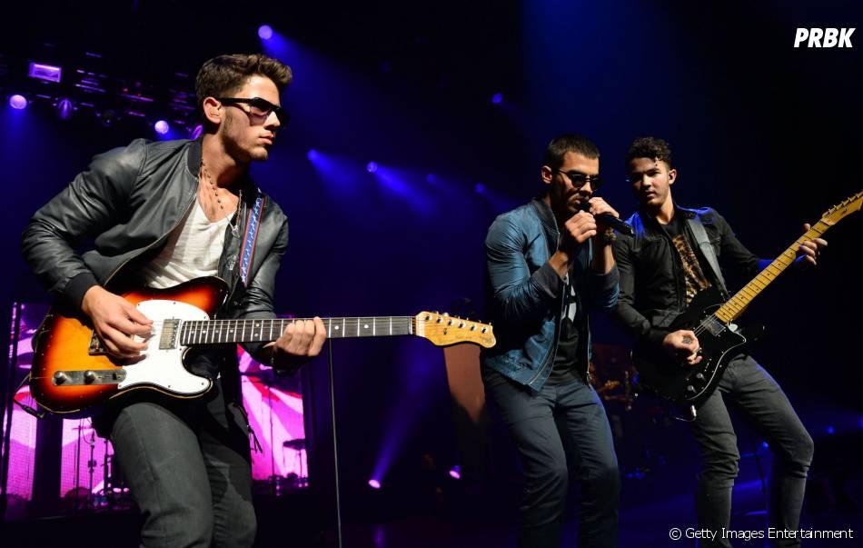 Apesar da separação dos Jonas Brothers, Kevin disse que vem mais quatro canções por aí