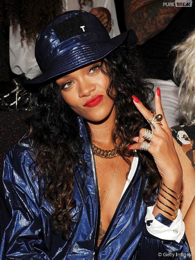 Rihanna também tem fotos pelada vazadas na internet