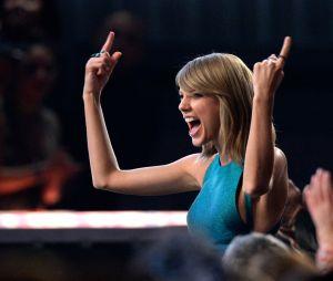 Após se posicionar publicamente sobre política, Taylor Swift é criticada por fãs
