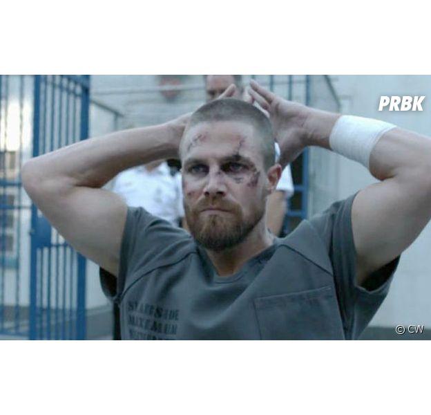 """Na 7ª temporada de """"Arrow"""": novo Arqueiro Verde protege Star City enquanto Oliver Queen (Stephen Amell) está preso"""
