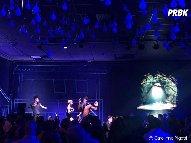 """A festa de """"O Sétimo Guardião"""" teve apresentação de música"""