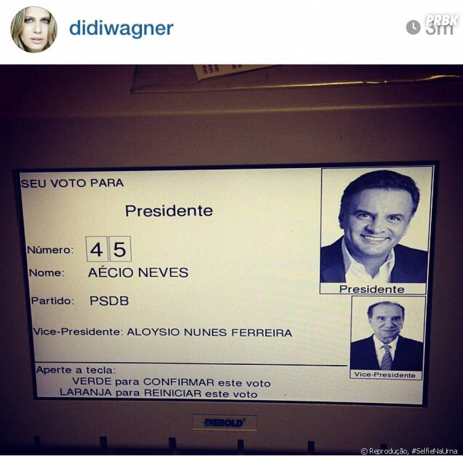 A apresentadora Didi Wagner estava tão orgulhosa do seu voto que quis mostrar pra todo mundo