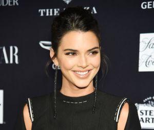 "Kendall Jenner participa do ""Carpool Karaoke: The Series"" com Hailey Baldwin"