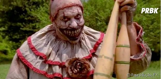 """O palhaço Twisty amedrontou a todos na estreia de """"American Horror Story: Freakshow"""""""