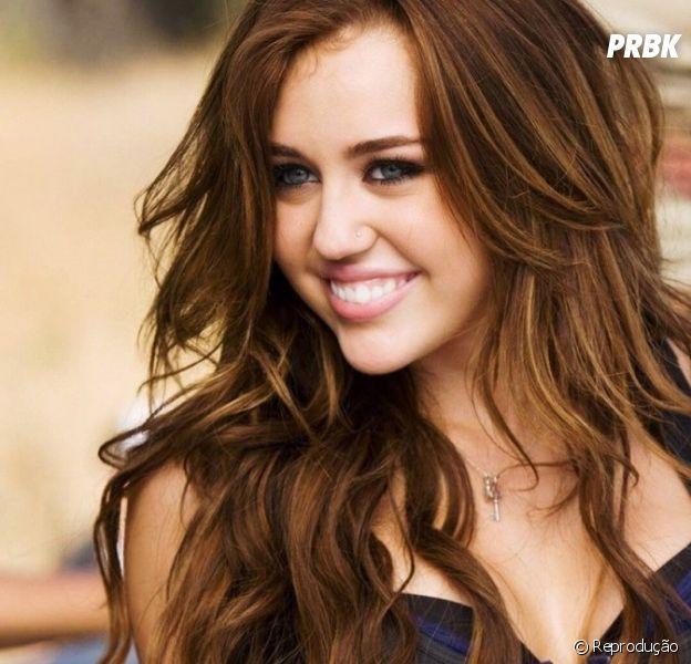 """Você sabia que """"Party In The U.S.A"""", de Miley Cyrus, está completando 10 anos em 2019?"""