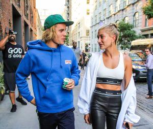 Segundo o TMZ, Justin Bieber e Hailey Baldwin adiaram casamento por causa de amigos e familiares