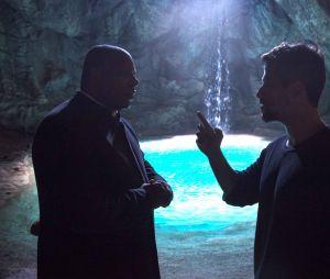 """Em """"O Sétimo Guardião"""", Gabriel (Bruno Galiasso) convida Ramiro (Ailton Graça) para ser um dos guardiões"""