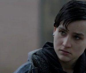 """Em """"Arrow"""", Sin (Bex Taylor-Klaus) voltou a aparecer no 150º episódio"""