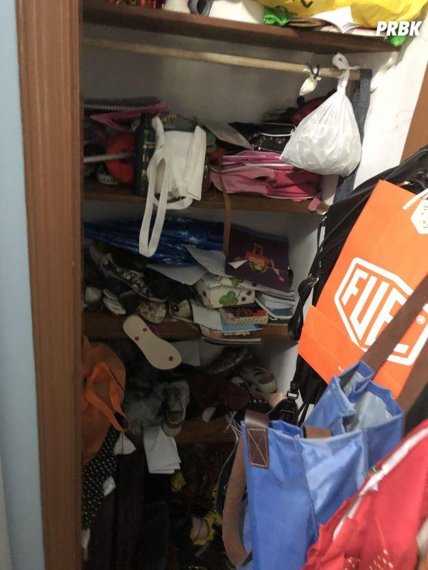 Gente, olha A ZONA que estava o armário embutido!