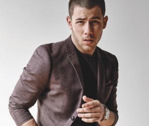 Nick Jonas anda curtindo posts sobre Jonas Brothers nas redes sociais