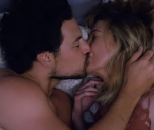 "Em ""Grey's Anatomy"", Meredith (Ellen Pompeo) assume namoro com DeLuca (Giacomo Gianniotti)"