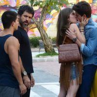 """Novela """"Malhação"""": Bianca beija Lirio e briga com Duca"""