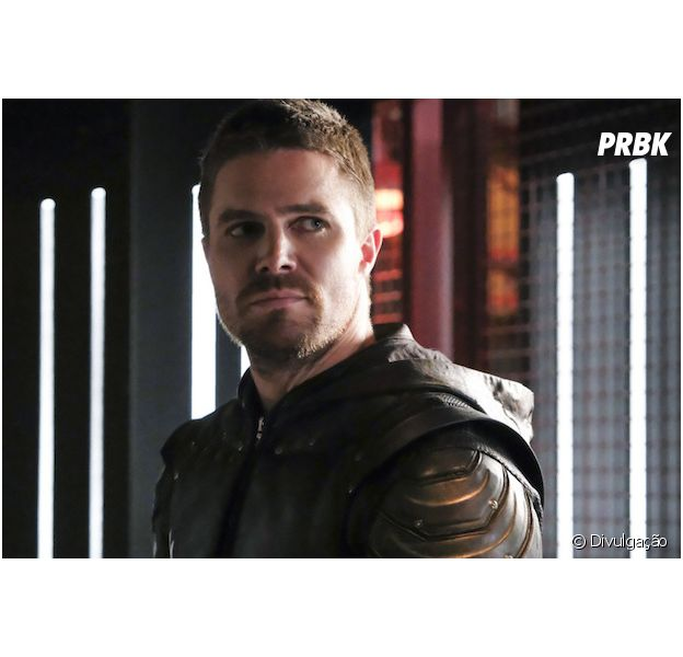 "Cancelamento de ""Arrow"" é confirmada e elenco reage"