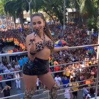 A Anitta confirmou que beijou muito na boca e falou sobre o trabalho no Carnaval 2019