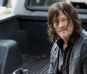 """Daryl (Norman Reedus) e Carol (Melissa McBride) saem em busca de novo lugar para ficar em """"The Walking Dead"""""""
