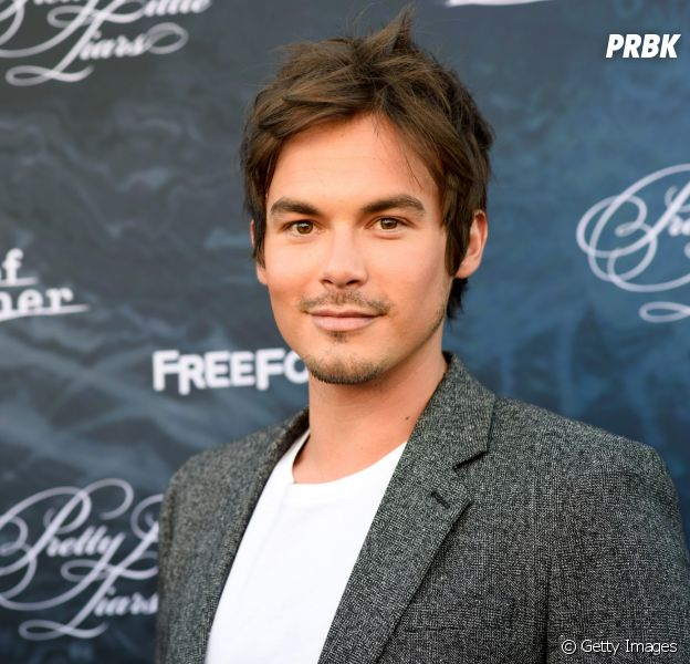 "Ex-ator de ""Pretty Little Liars"", Tyler Blackburn gostaria de voltar a interpretar Caleb em ""The Perfectionists"""