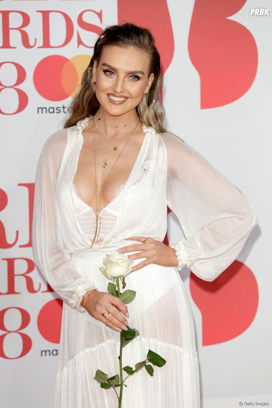 Perrie Edwards, do Little Mix, revela sofrer de ansiedade em texto e alerta fãs para a doença