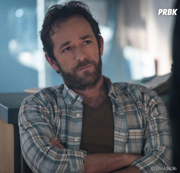 """Em """"Riverdale"""", último episódio de Luke Perry como Fred será transmitido essa semana"""