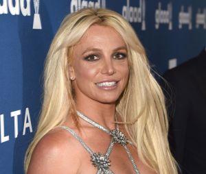 Britney Spears falou com os fãs que está lutando para que as melhores coisas aconteçam