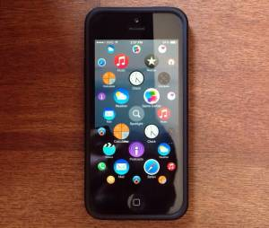 Brasileiro aplica interface do Apple Watch em um iPhone 5