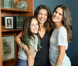 """Ingrid Guimarães e Larissa Manoela são as estrelas do filme """"Fala Sério, Mãe"""", adaptação do livro de Thalita Rebouças"""
