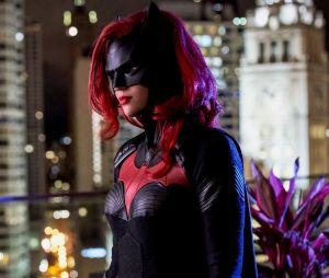 """A novata """"Batwoman"""" vai estar presente em """"Crise nas Infinitas Terras"""" próximo crossover da DC"""