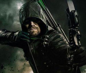 """De """"Arrow"""": Oliver Queen (Stephen Amell) pode morrer no próximo crossover!"""