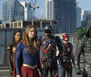 """O próximo crossover da DC, """"Crise nas Infinitas Terras"""", vai reunir todas as séries do Arrowverso com duração de 5 horas"""