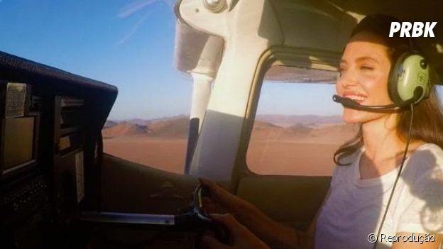 Angelina Jolie é pilota de avião e ninguém sabia!