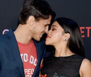 Gina Rodriguez e Joe LoCicero sempre mostram o amor que sentem para os fãs