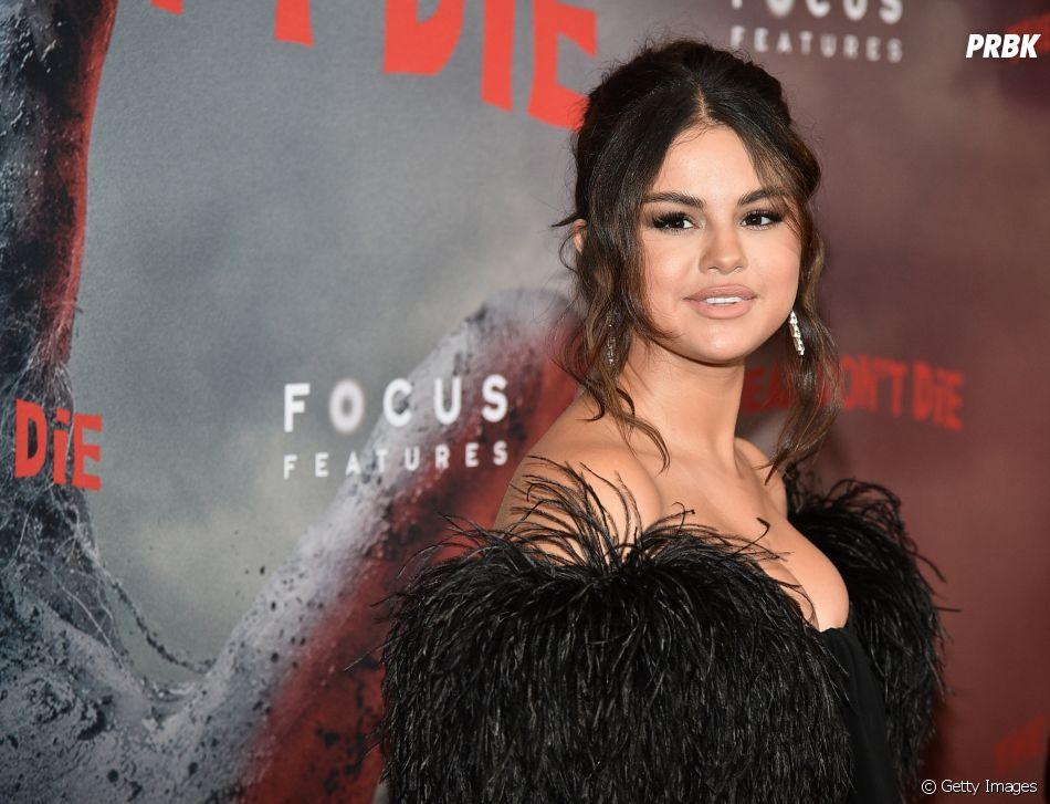 """Selena Gomez fala sobre novo álbum: """"Sim, está prontíssimo!"""""""