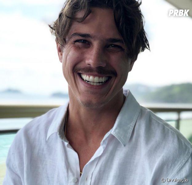 """Romulo Arantes Neto será pai do filho da Rita (Alanis Guillen) em """"Malhação"""""""