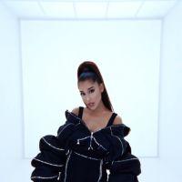 """Tá bom pra você, meu amor? Ariana Grande lança clipe de """"In My Head"""" em parceria com a Vogue!"""
