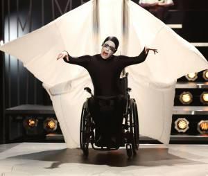"""""""Applause"""" em """"Glee"""" será tão bizarra quanto no clipe original!"""