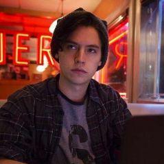 """Cole Sprouse deu mais alguns detalhes sobre o episódio em homenagem a Luke Perry de """"Riverdale"""""""