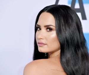 Demi Lovato posta foto sem retoques e mostra que está cada vez mais satisfeita consigo mesma