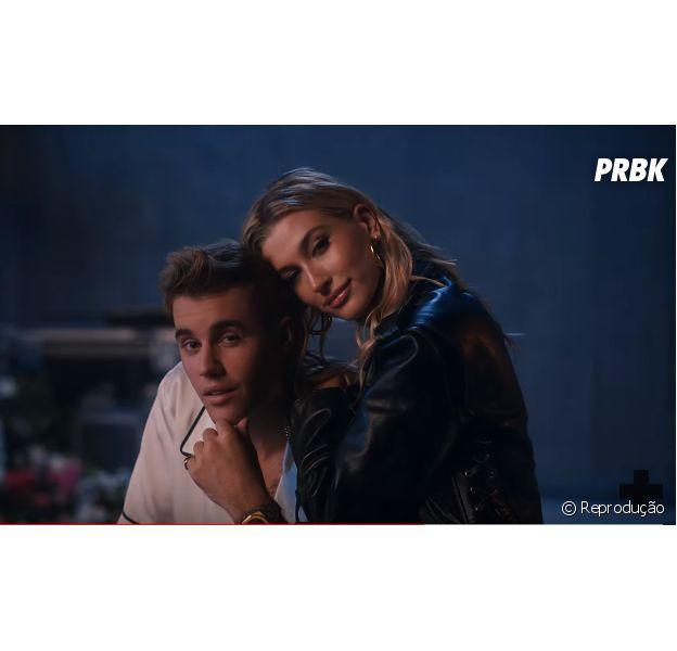 """Justin e Hailey Bieber surgem em clima de romance em """"10,000 Hours"""", parceria do cantor com Dan + Shay"""