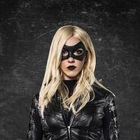 """Na 3ª temporada de """"Arrow"""": Katie Cassidy aparece como a Canário Negro!"""