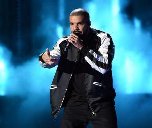 De acordo com o Spotify, Drake foi o artista mais escutado da década na plataforma