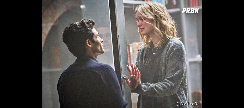 """""""You"""": Beck (Elizabeth Lail) foi bem ingênua ao conhecer Joe"""