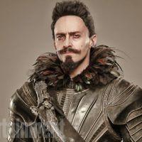 """Hugh Jackman aparece como Barba Negra nas primeiras fotos oficiais de """"Pan"""""""