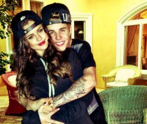 Selena Gomez curte fotos de Justin Bieber no Instagram e chama a atenção dos fãs