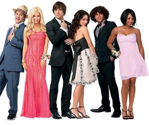 """Elenco de """"High School Musical"""" irá se reunir através da internet para um especial da ABC Family"""