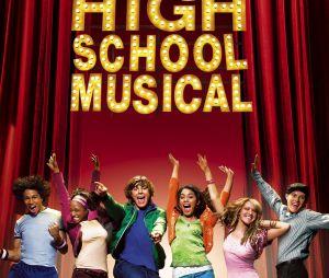 """Elenco de """"High School Musical"""" se reúne nesta quinta (16) e canta para os fãs em quarentena"""