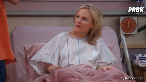 """Rachael Harris é uma das estrelas de """"Lucifer"""" e faz participação na 8ª temporada de """"Friends"""""""