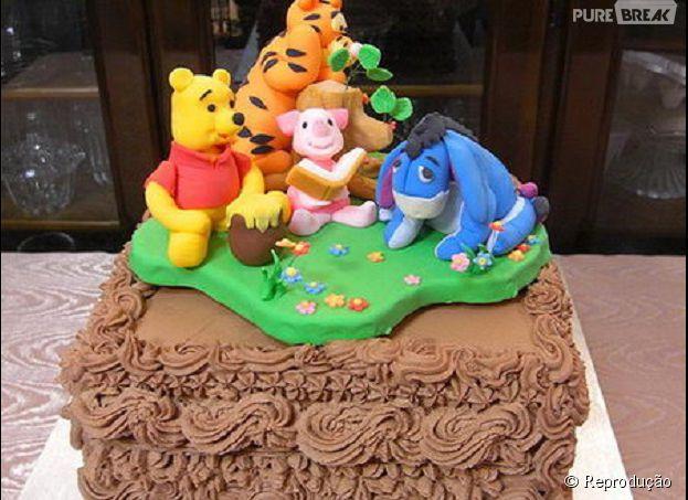 Esse bolo de ursinho Pooh ficou tão fofinho que é até maldade cortar